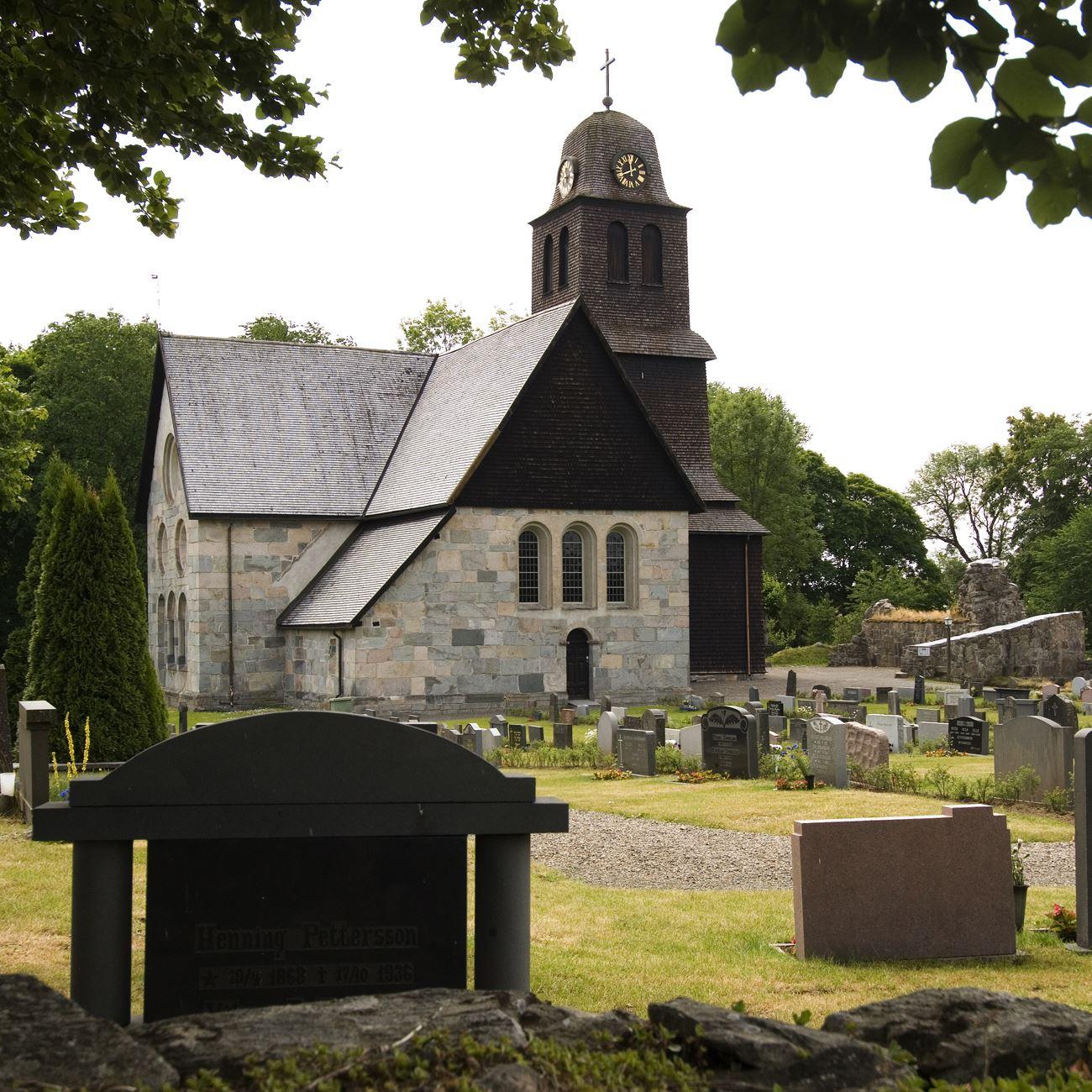 Smålandsbilder.se,  © Värnamo Näringsliv AB , Vandra längs de gamla Pilgrimslederna till Nydala Kloster