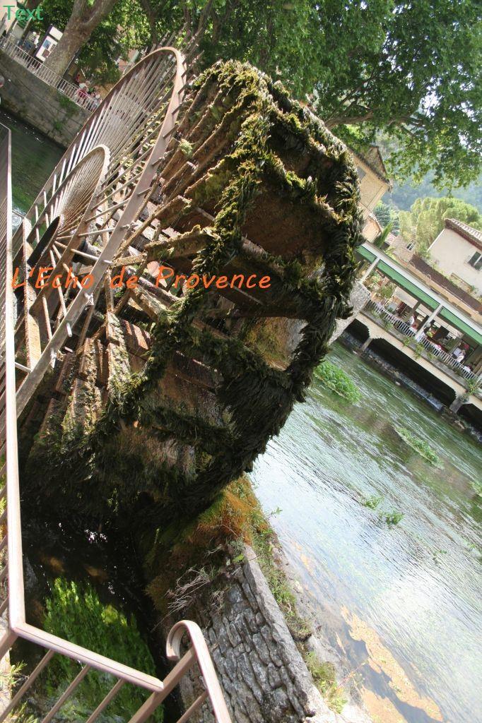 Excursion Pont du Gard- Les Baux - Gordes - Roussillon - Fontaine de Vaucluse