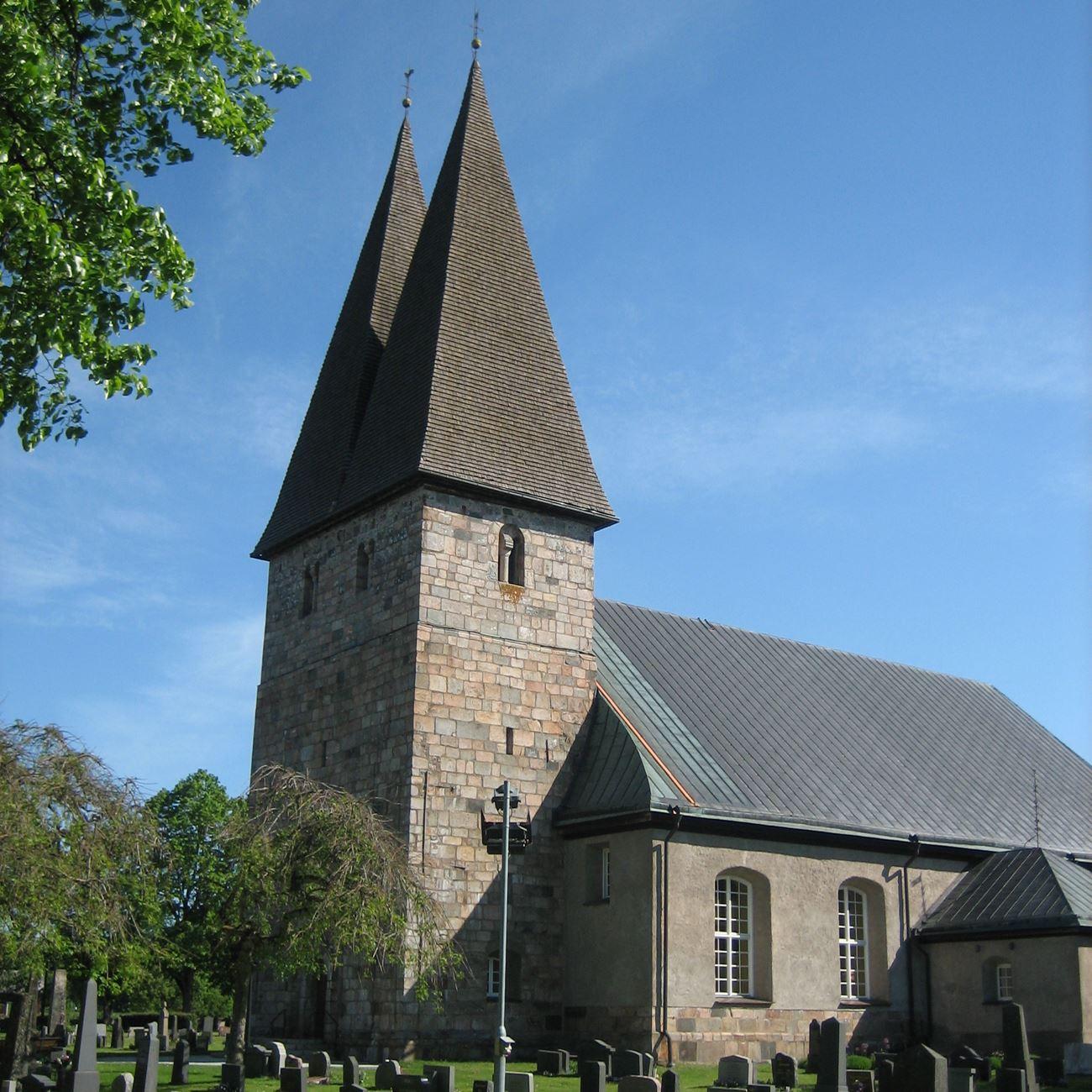 Foto: Eva-Britt Karlsson,  © Värnamo Näringsliv AB , Rydaholms medeltidskyrka