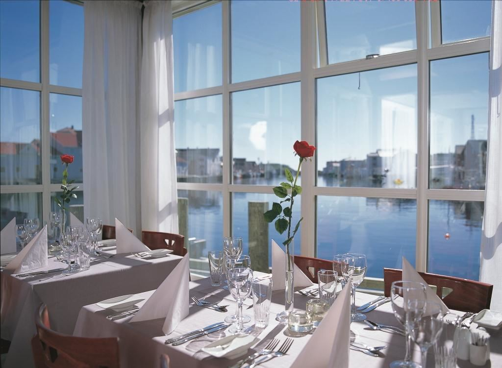 © DVGL Henningsvær Bryggehotell, Restaurant The Blue Fish
