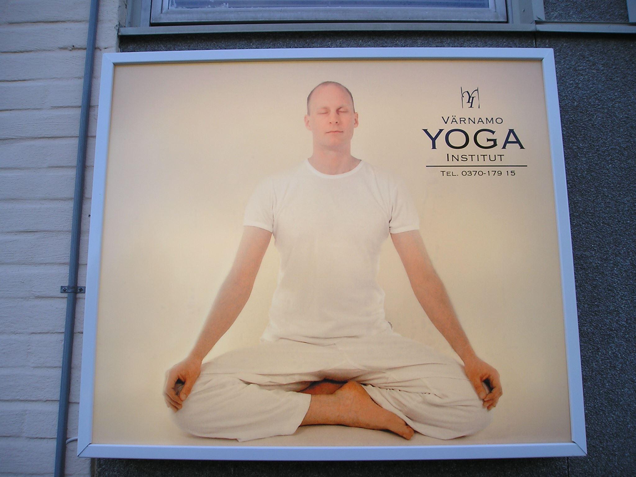 © Värnamo Näringsliv AB , Värnamo Yogainstitut