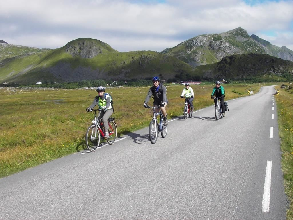 Fly & Bike to Lofoten - Leknes