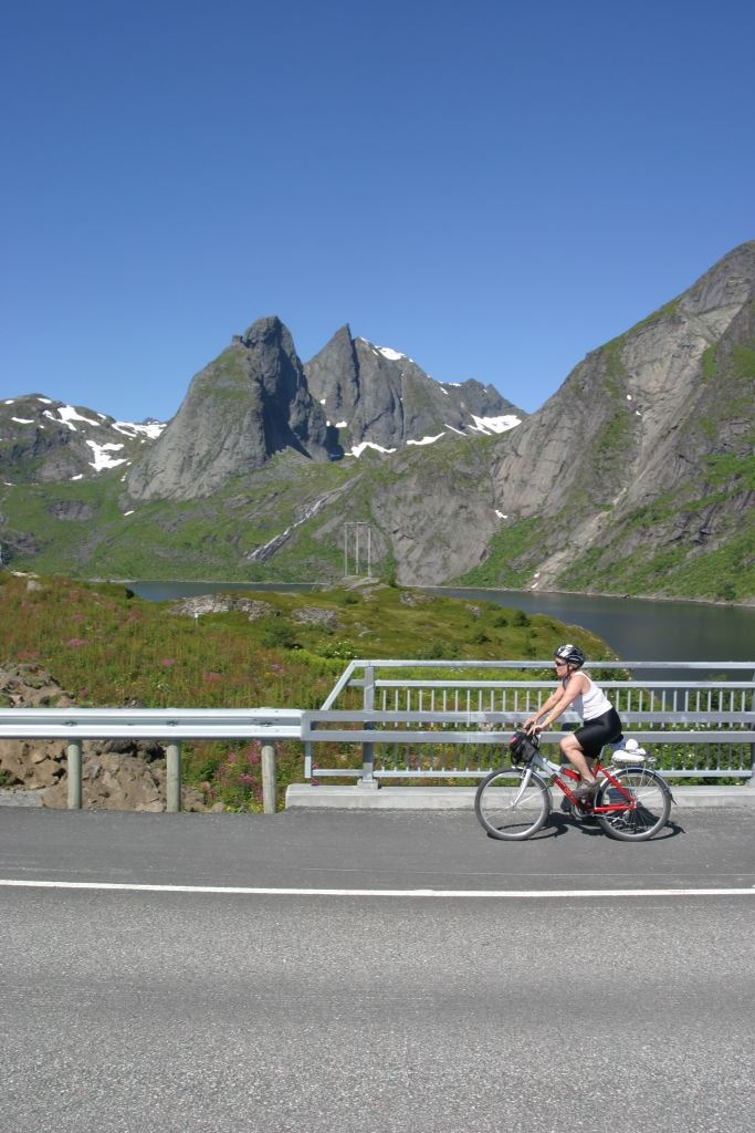 Fly & Bike to Lofoten - Svolvær