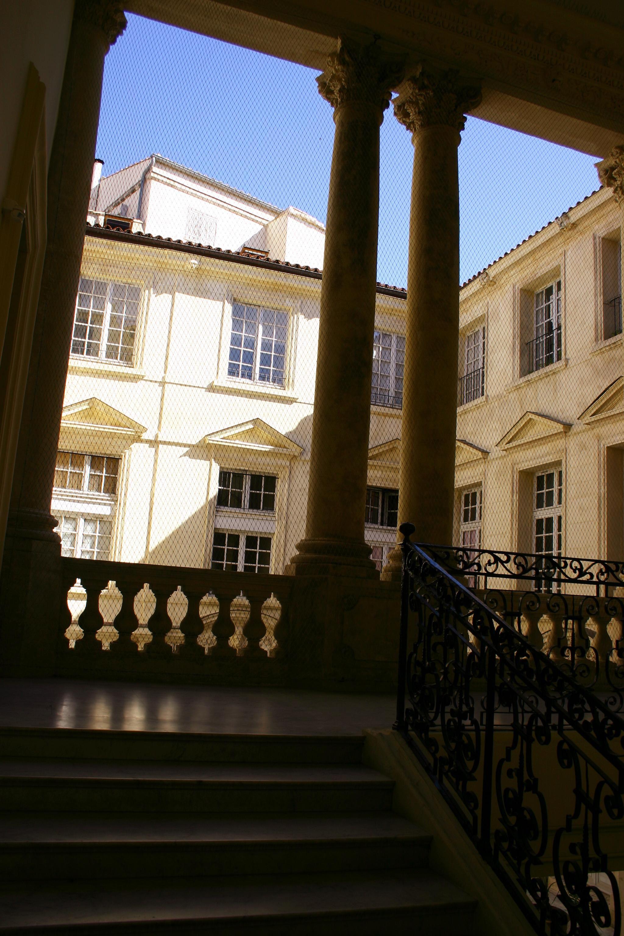 Hoteles (muy) particulares (visita en francés)
