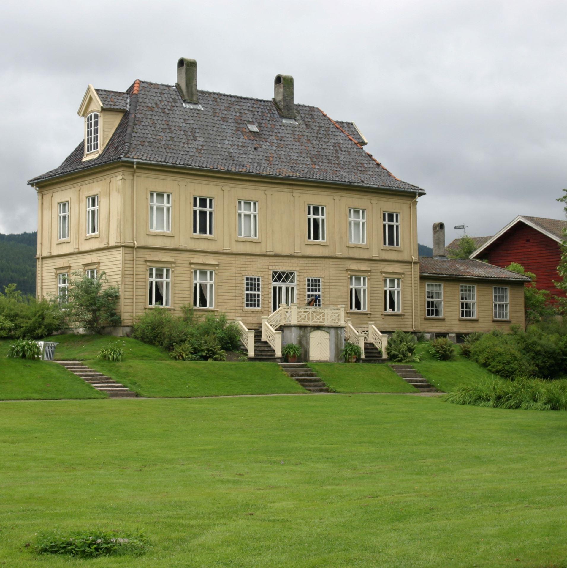 Gulskogen Manor