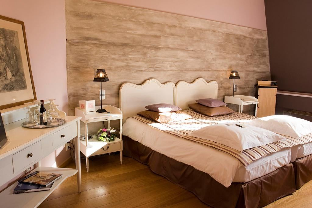 CHATEAU HOTEL DE BELMESNIL