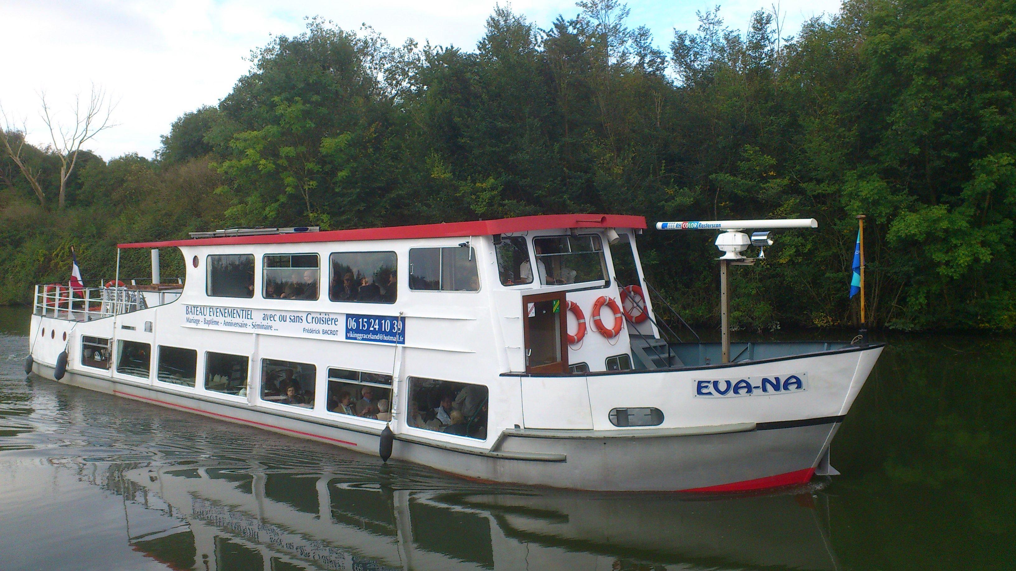 Descente de la Seine, le 16 juin, à bord du