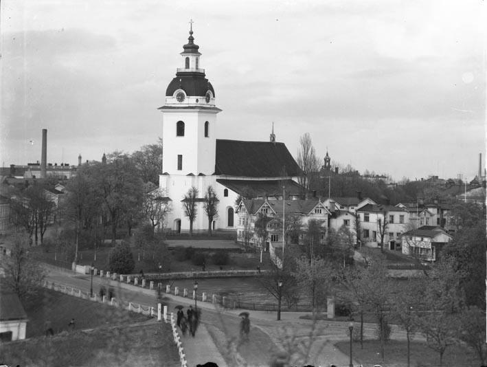 Ur Länsmuseet Gävleborgs samlingar., Heliga Trefaldighetskyrkan och kvarteret Ordinarius.