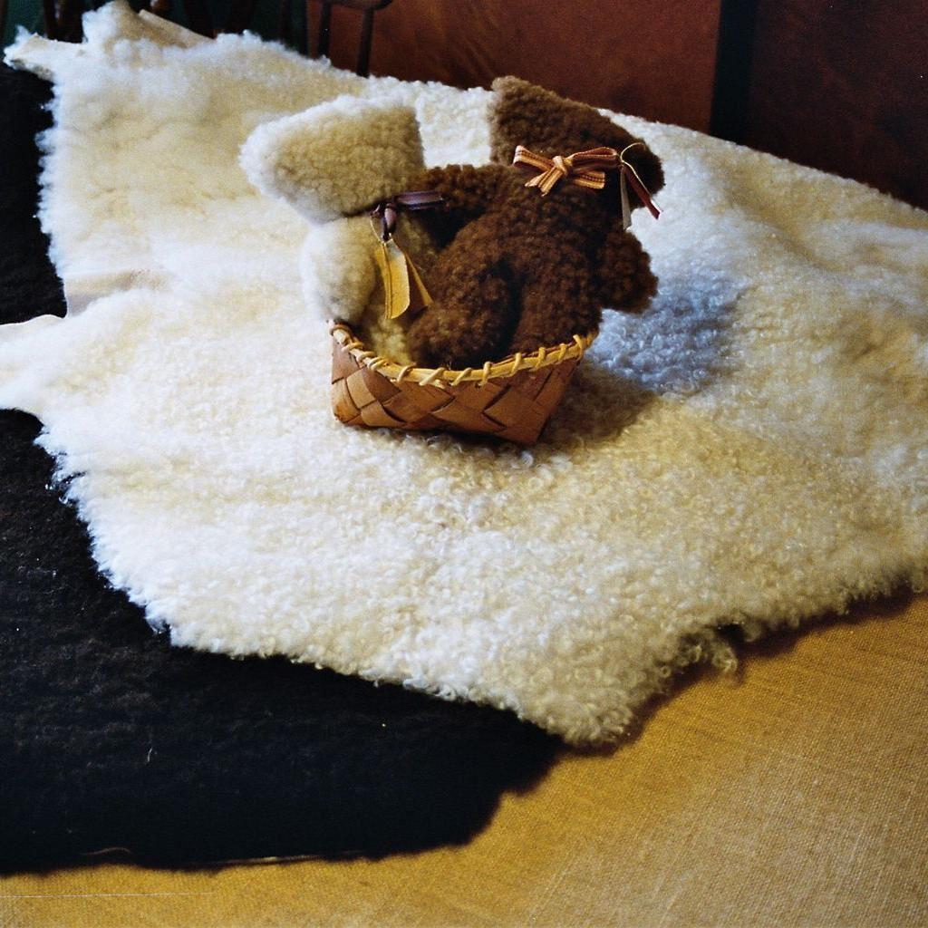 Hildas Hantverk,  © Värnamo Näringsliv AB, Hildas hantverk, en hantverks- och gårdsbutik söder om sjön Rusken.