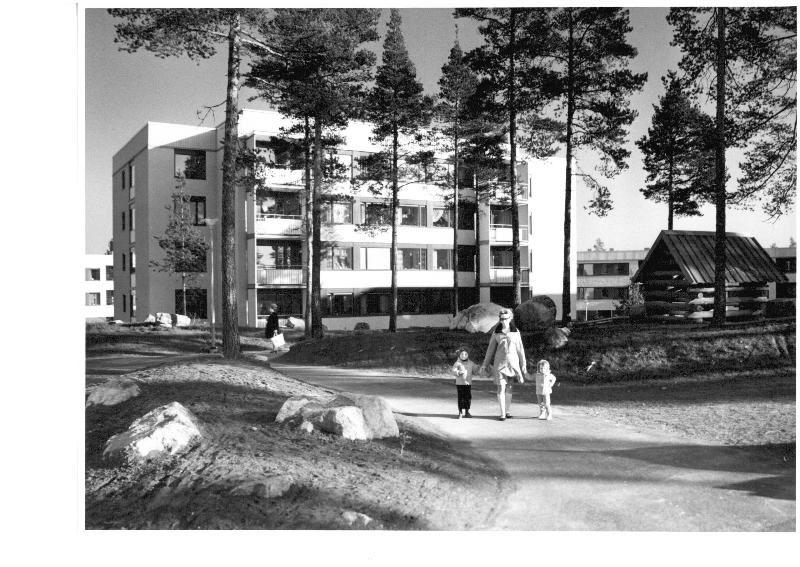 Gavlegårdarna, Sicksackvägen i Sätra.