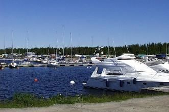 Patholmsvikens båtklubbs hamn i Holmsund