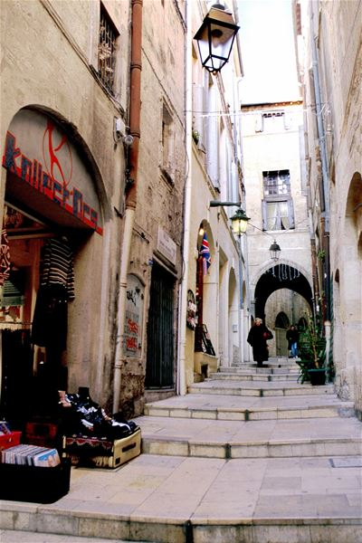 French guided tour - Montpellier, a Middle Age town