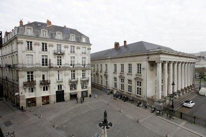 Appartanantes-Place de la Bourse