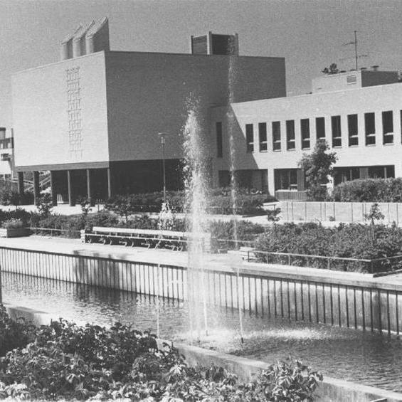 Gävle stadsarkiv, Sätrabäcken rinner genom Sätra centrum.