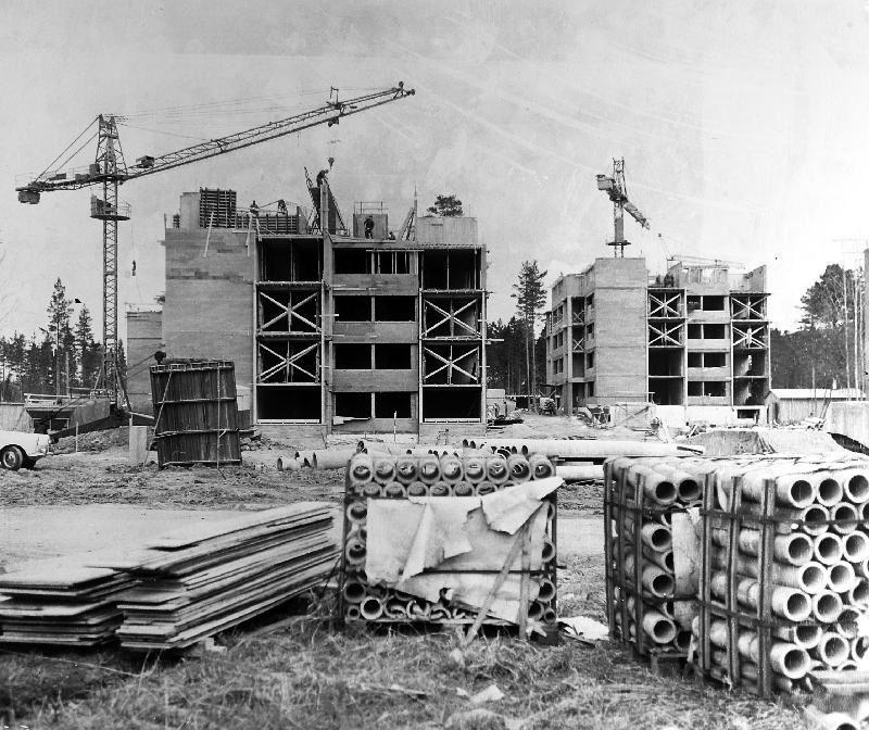 Okänd. Sätra bibliotek., Sätra under uppförande i mitten på 1960-talet.