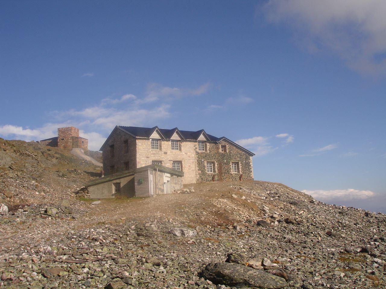 Haldetoppen og Nordlysobservatoriet