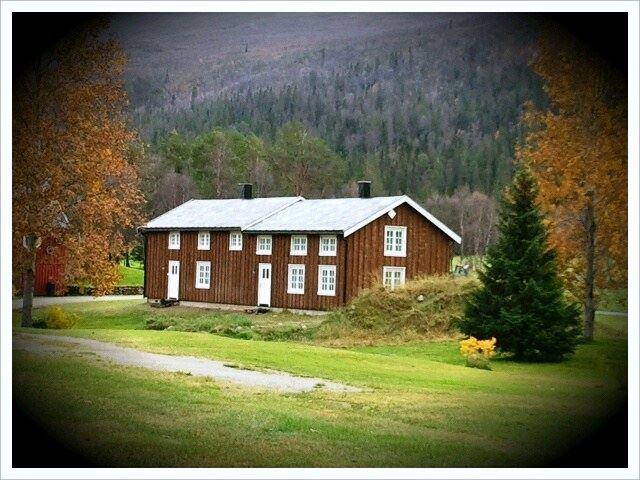 Furuheim Gård,  © Helgeland Reiseliv, Tømmerstuo