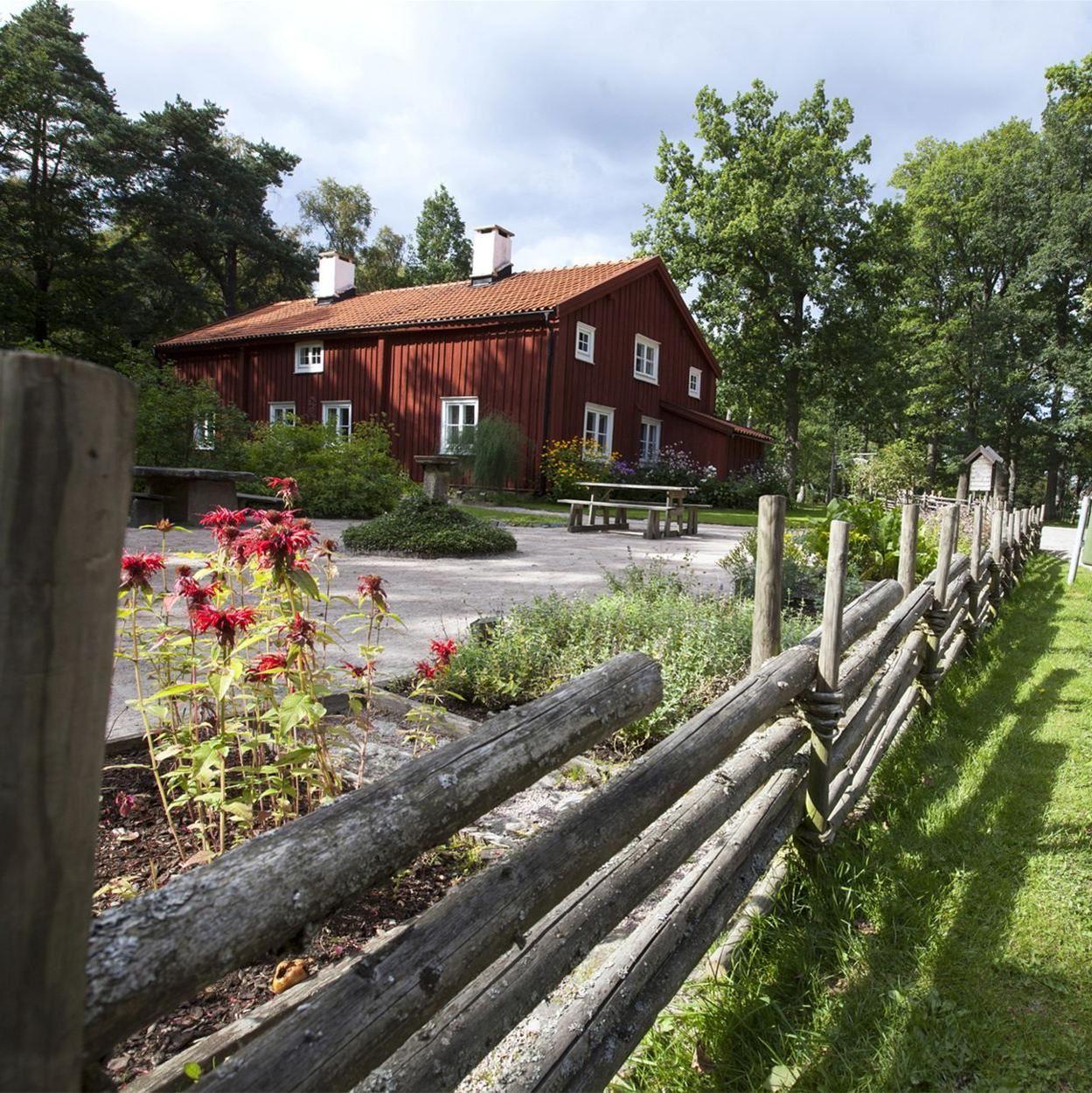 Foto: Smålandsbilder.se,  © Värnamo Näringsliv AB , Apladalens natur- och hembygdspark