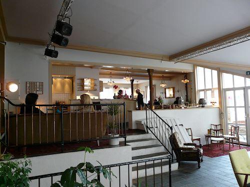 Gilles Cafe & Musikk,  © Helgeland Reiseliv, Gilles Cafe inne