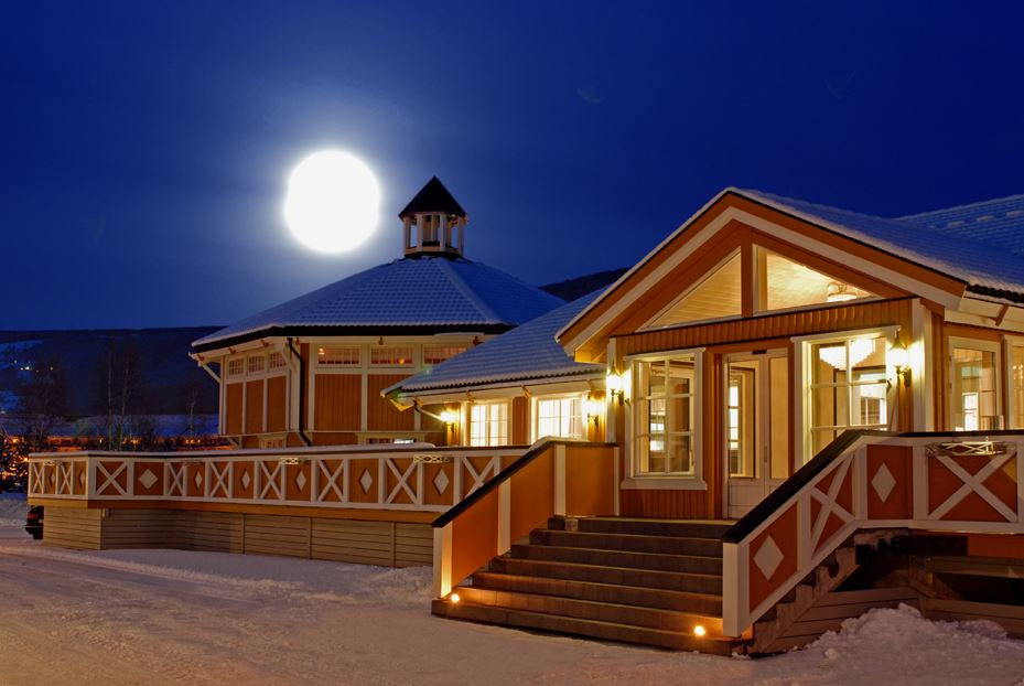 © Hafjell Resort, Hafjell Hotel at night time.