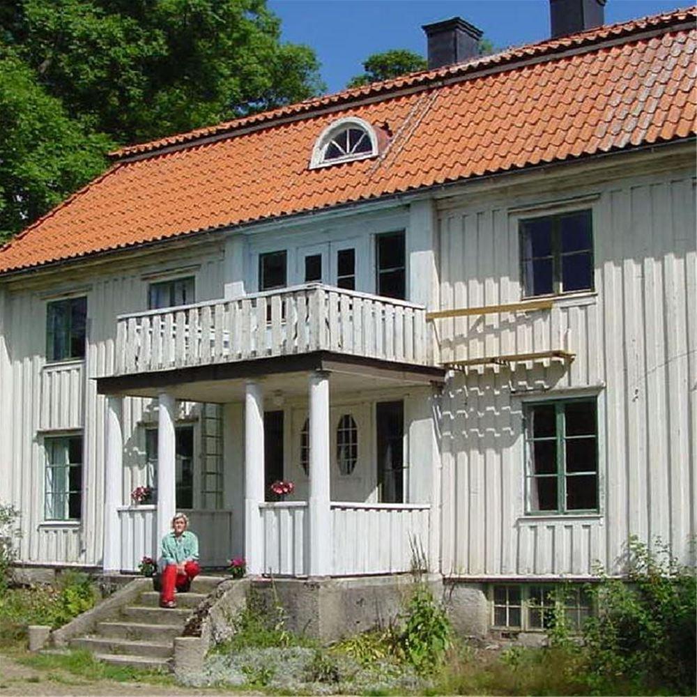 Liljenäs natur & fritid   bo i stuga, stugor och stugbyar, sjön ...