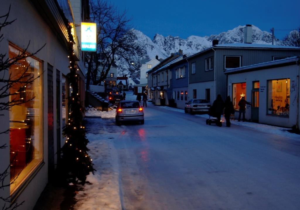© XXLofoten, Pre-Christmas Adventure in Henningsvær