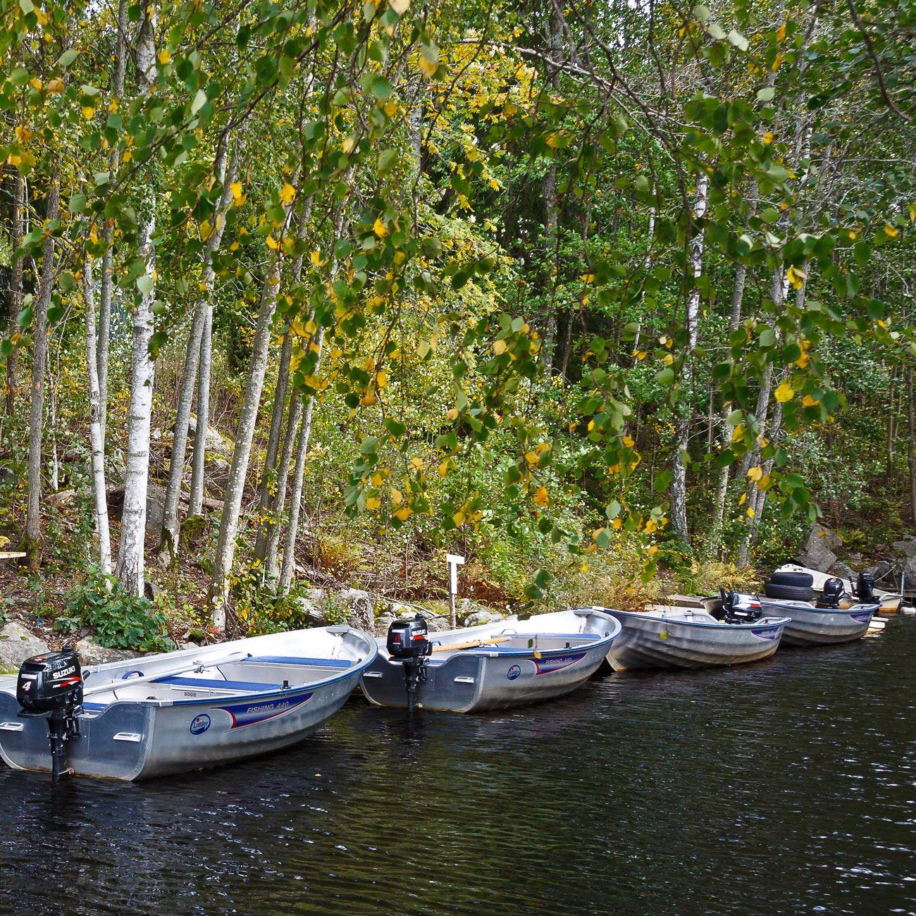 Foto: Adventure of Småland,  © Värnamo Näringsliv AB , Båtuthyrning i sjön Rusken