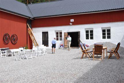 Muddus Hjortron & Kolarbo Gård B&B