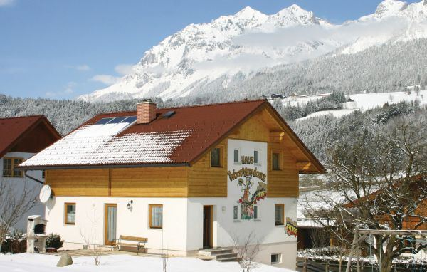 Semesterhus för upp till 12 personer i Ennstal (hus nr: AST167)