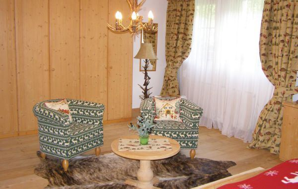 Lyx-Chalet för upp till 10 personer i Kitzbühel (hus nr. ATI200)