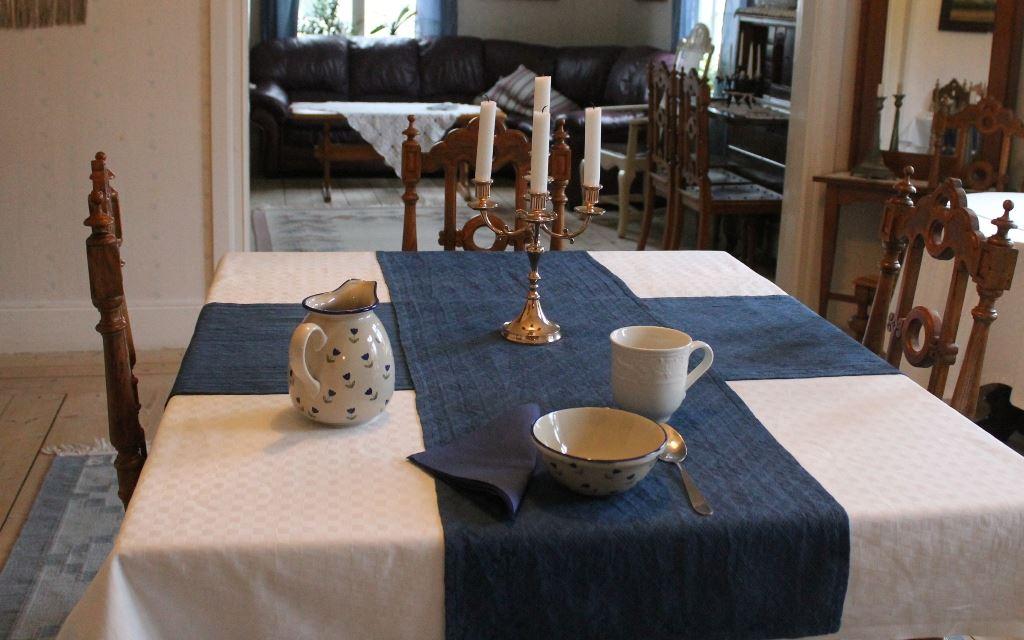 Eva Pettersson, Skillingaryds Bed & Breakfast - Matsalen i boningshuset där det serveras frukost