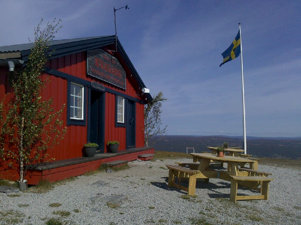 Bruksvallarna's Summit Hut