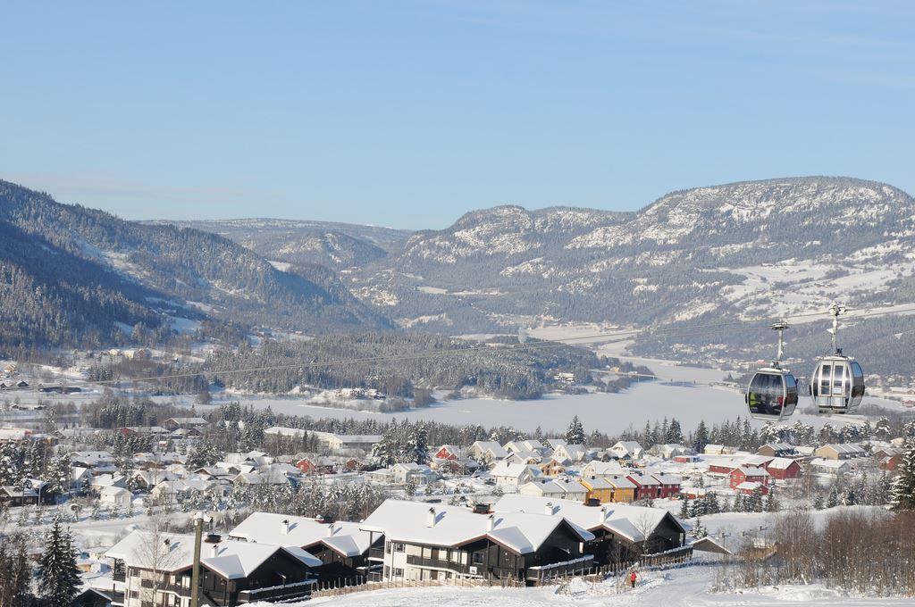 Esben Haakenstad, Winter ski holiday in Hafjell