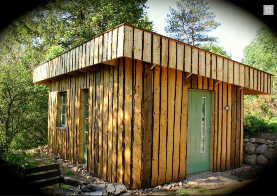 © Ecotopia på Östelen, Straw bale cabins at Ecotopia