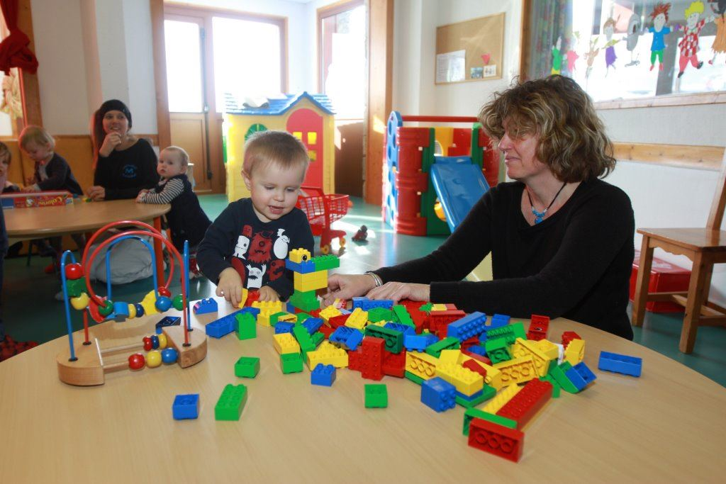 ESF BABY CRECHE, NURSERY AND CLUB PIOU PIOU from 3 months to 3 years - located in the Montana - lower part of the resort