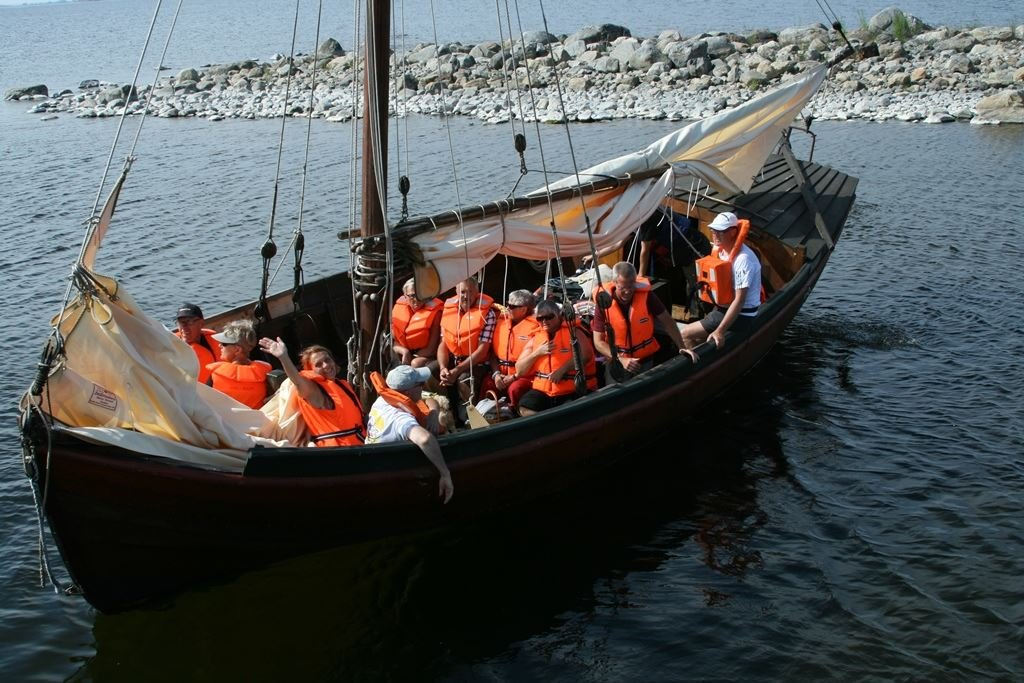 Sail with the Holmö Barge