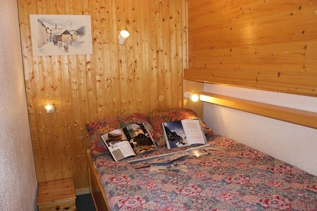 TROIS VALLEES 405 / STUDIO CABINE 4 PERSONNES - 1 FLOCON BRONZE - VTI