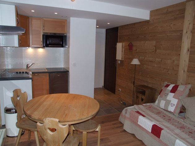 TROIS VALLEES 702 / STUDIO 2 PERSONNES GRAND CONFORT - 3 FLOCONS OR - VTI
