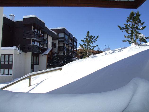 OLYMPIC 221 / STUDIO 2 PERSONS - 2 BRONZE SNOWFLAKES - VTI