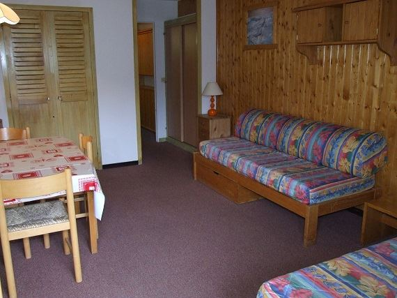 OLYMPIC 609 / 1 room 4 people