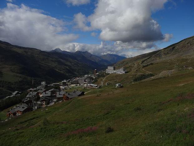 2 Pièces 4 Pers skis aux pieds / NECOU 505