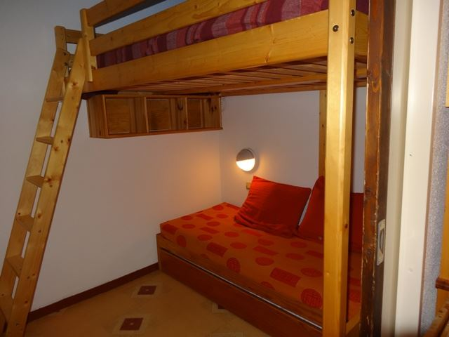 2 Rooms 4 Pers ski-in ski-out / OREE DES PISTES 11