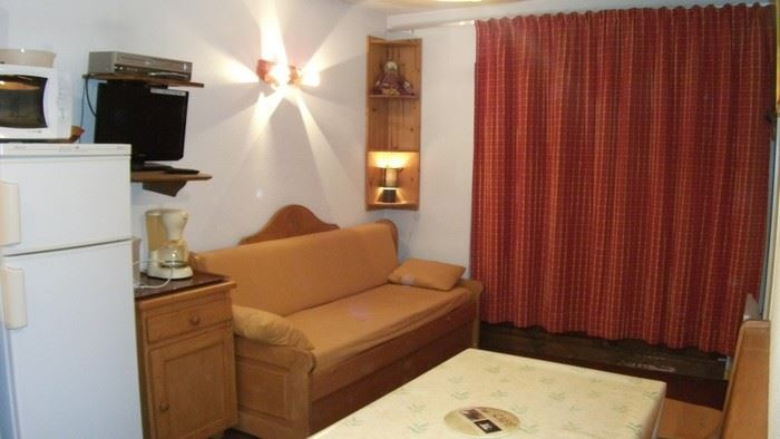 2 Rooms 5 Pers ski-in ski-out / OREE DES PISTES 9