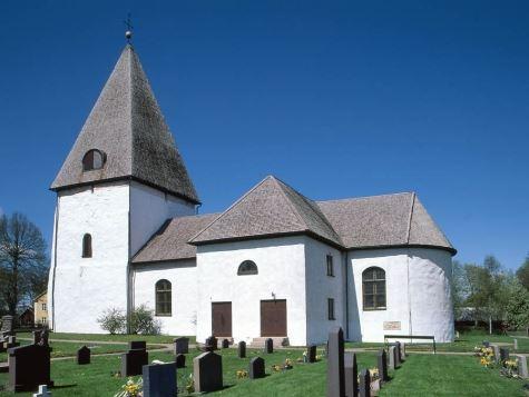Bergunda Kyrka - die Kirche in Bergunda