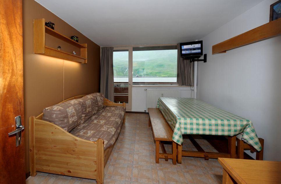 2 rooms 6 people / LES LAUZES 8