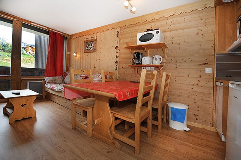 2 Rooms cabin 5 Pers ski-in ski-out / VILLARET 519