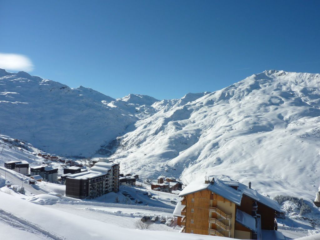 2 Pièces 4 Pers skis aux pieds / NECOU 611