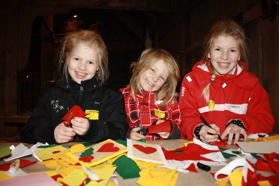 Make your Christmas decorations at Lofotr Viking Museum!