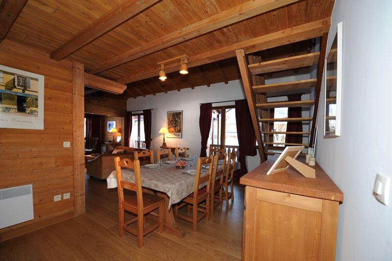 5 Rooms 10 Pers ski-in ski-out / CHARMETTES 3