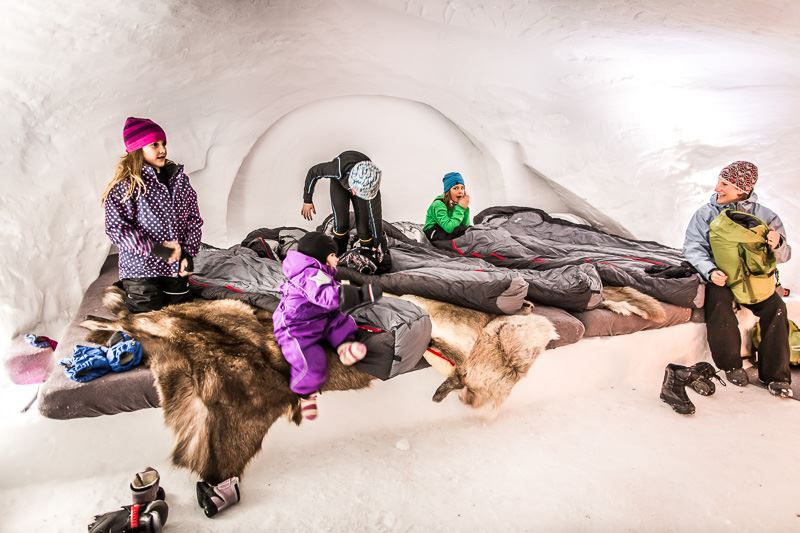 Stay in an igloo on Åreskutan